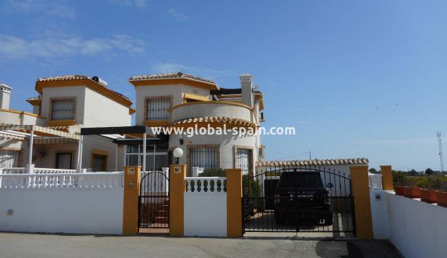 Villa - Resale - Guardamar del Segura - El Raso, Guardamar